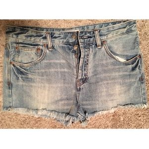 Fee People EUC Women's Light Wash Jean Shorts